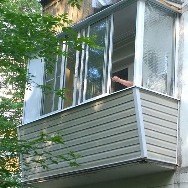 Остекление балконов в хрущевке в москве и мо. цена 18000 руб.