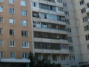 Пристройка балкона на первом этаже в доме серии п-55.