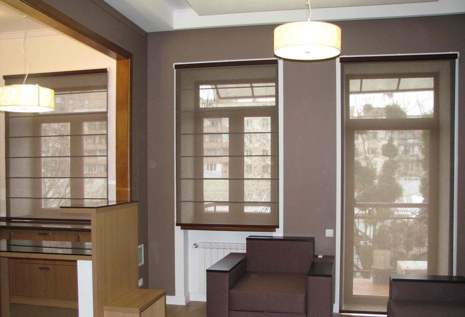 Закажите рулонные шторы на кухню - сделайте свой быт удобным.