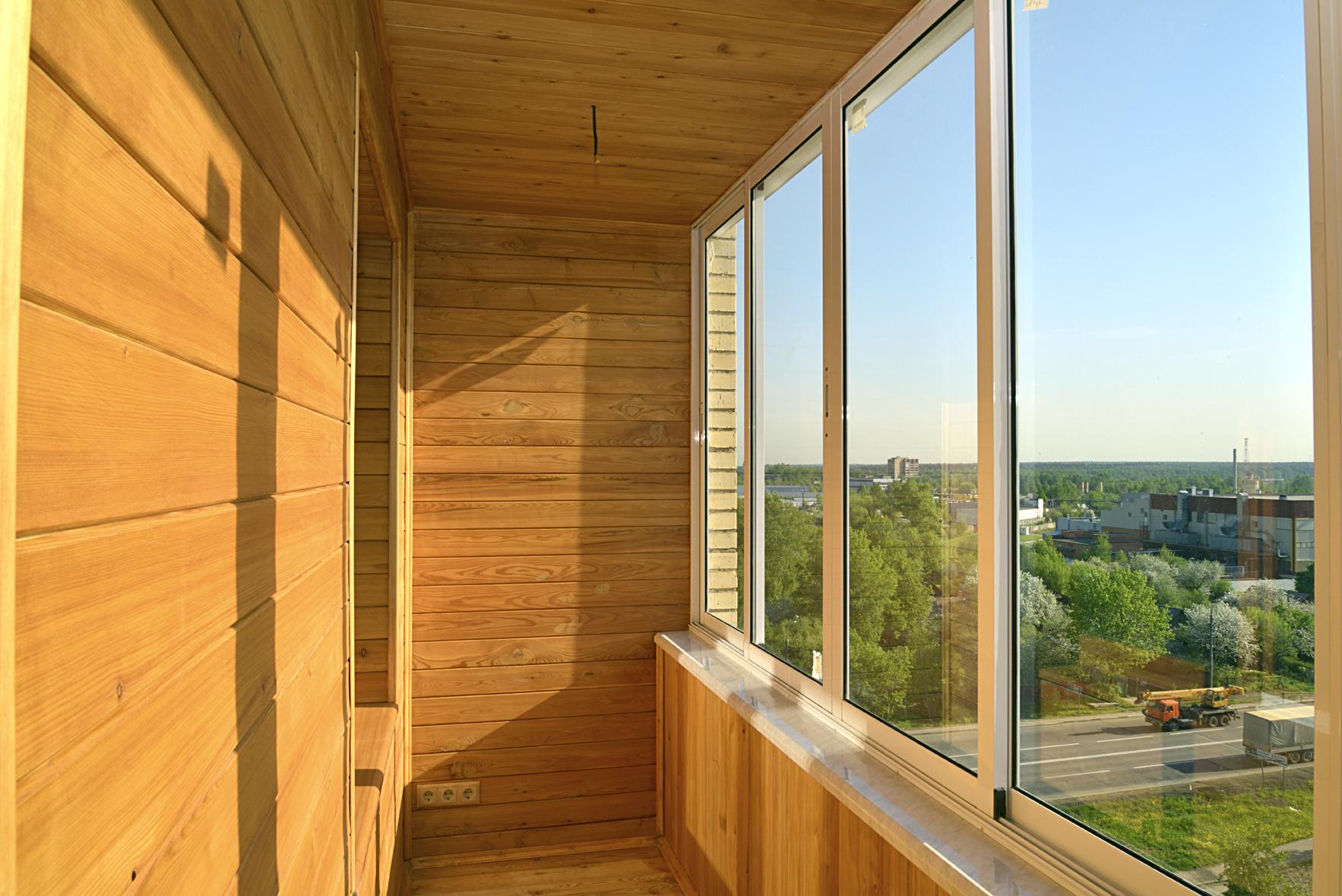 Чем можно обшить балкон изнутри недорого и быстро.